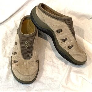 Columbia Atsa clogs slip on shoes Size 9